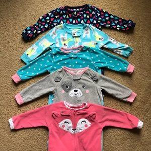 👶🏻 5 Carters Fleece Footie Pajamas 18 months!